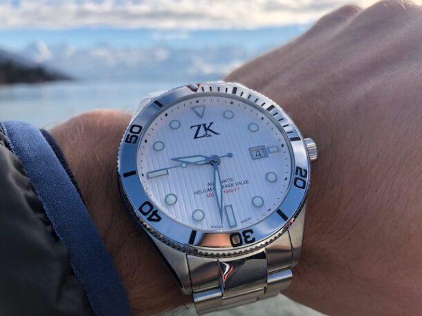 ZK No2 The White Diver Close Up