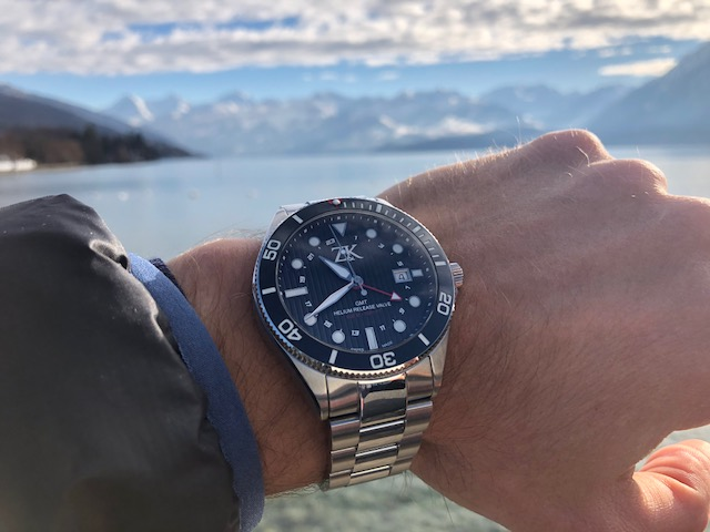 ZK No2 The Classic GMT in front of Lake Thun